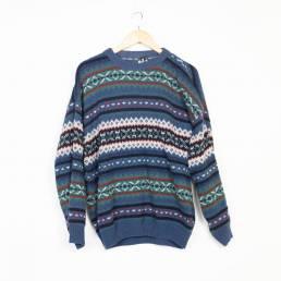 pull motifs bleu hiver