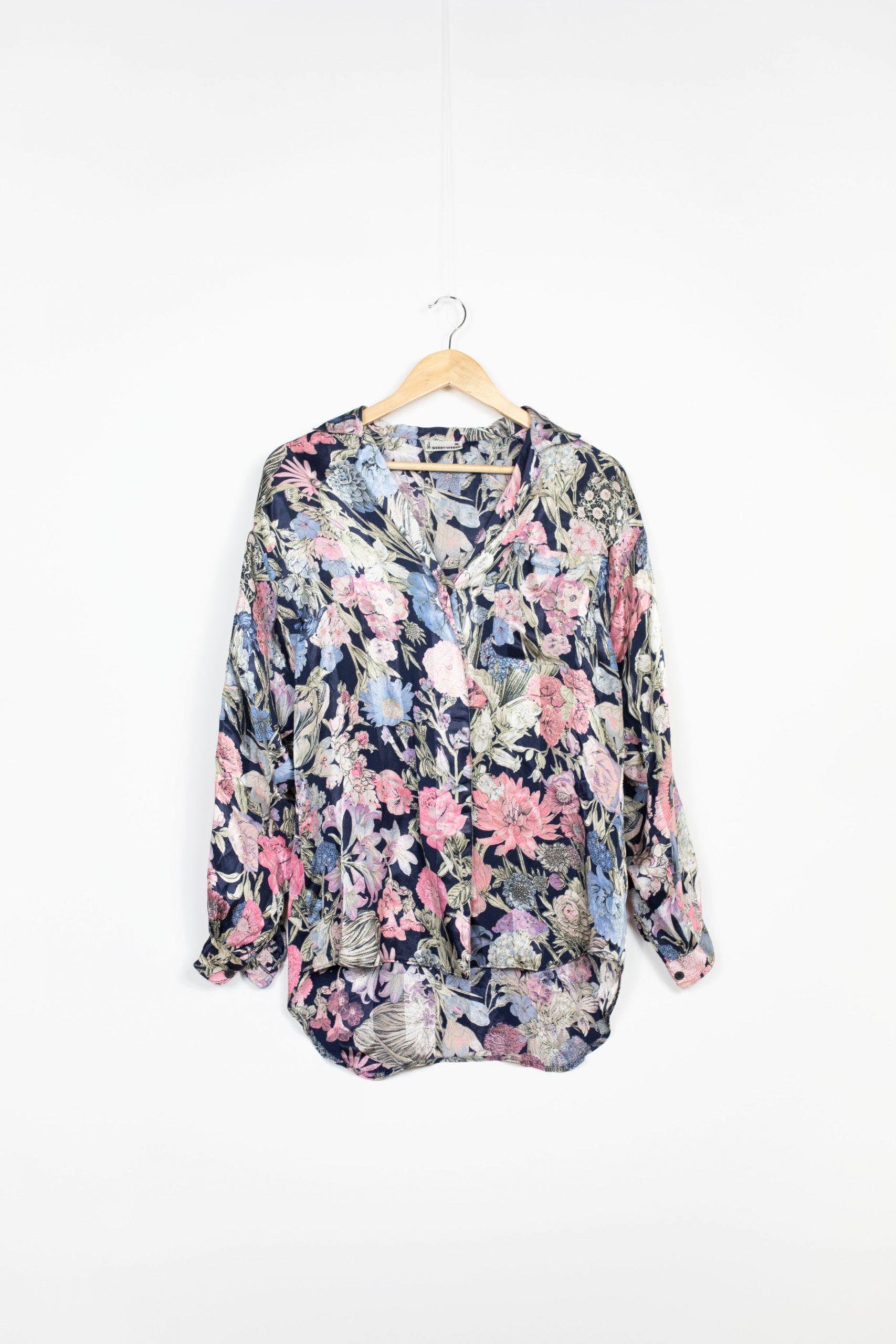 chemise soie fleurs motifs