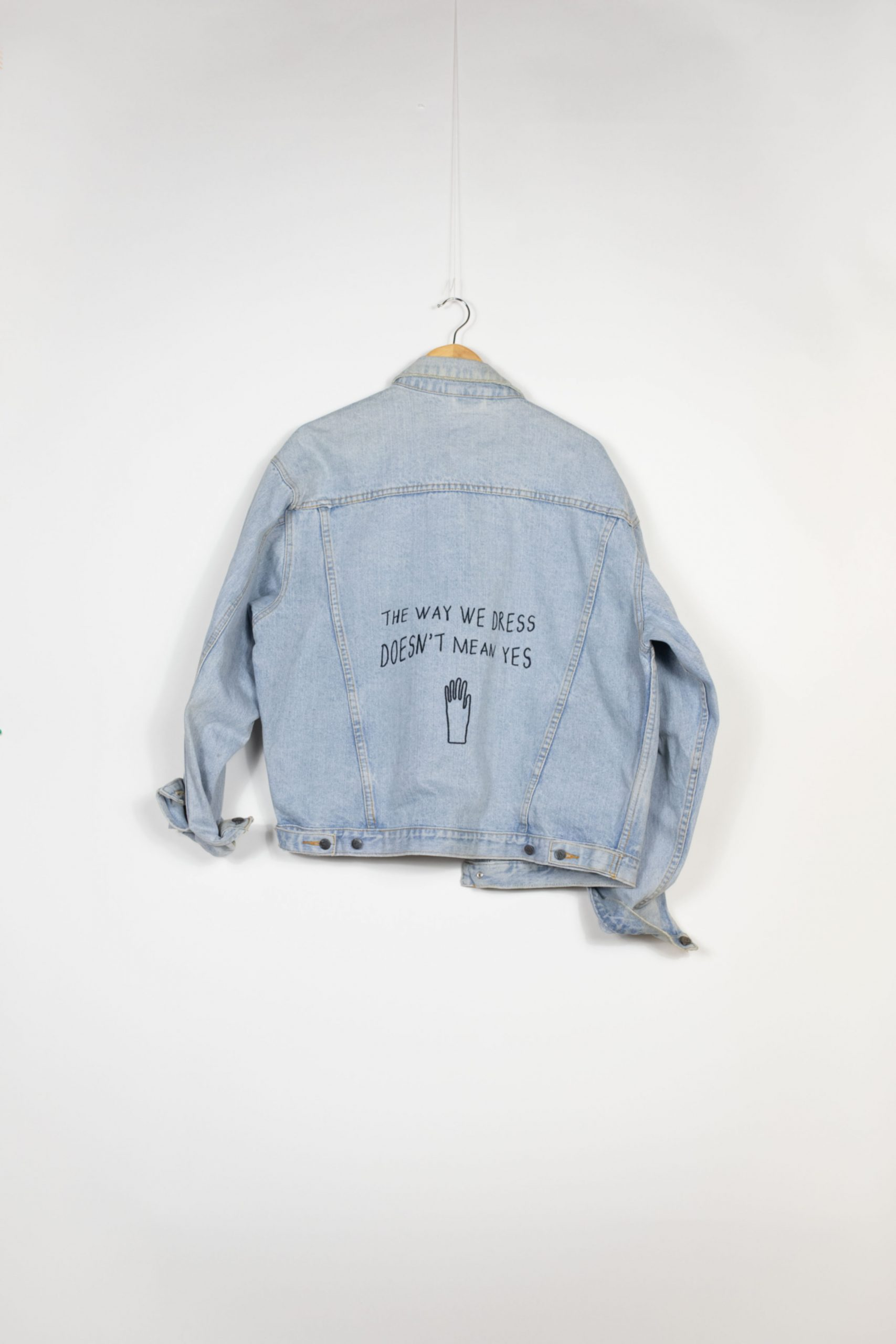 "Veste Jean ""The way we dress doesn't mean yes"""